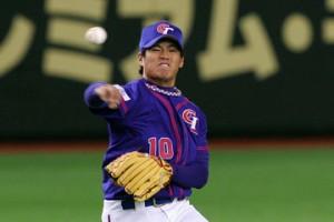 Han Lin  cometió una pifia, pero luego disparó jonrón para empatar. (Foto: Getty Images)