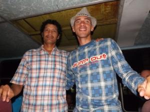 Ibrahín  Sánchez Carrillo (izquierda) y Reynaldo Cruz, durante el encuentro en Guantánamo. (Foto: Lilidiana Cruz Pazos)