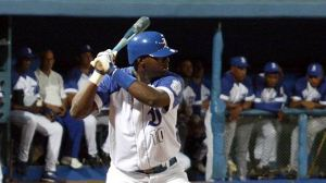 Rudy Reyes pegó dos jonrones en el triunfo de los azules. (Foto: Reynier Batista)