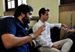 Alejandro (en primer plano) y Camilo: la esencia del GIIB. (Foto: Roberto Garaycoa/Cubadebate)