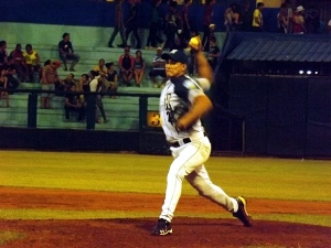 Norge Luis lanzó completo en Holguín. (Foto: Reynaldo Cruz/UB)