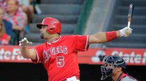 Albert Pujols decidió con un walk-off en el inning 19. (Foto: ESPN)