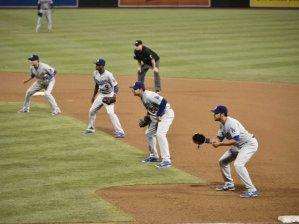 El shift se ha generalizado en la MLB en los últimos años. (Foto: Denis Poroy/ Getty Images)
