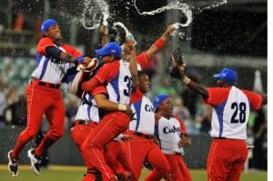 Contra todo pronóstico (sobre todo luego del Round Robin) Cuba se coronó en la Serie del Caribe. (Foto: Ricardo López Hevia/ enviado especial de Granma)