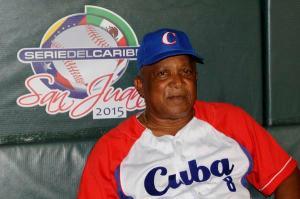 Alfonso Urquiola durante la Serie del Caribe. (Foto: Roberto Morejón/ AIN)