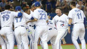 El increíble momento que viven lo Toronto Blue Jays se incluye en esta edición. (Foto: Tom Szcerbowski/ Getty Images)