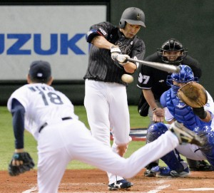 Yuki Yanagita encabeza la ofensiva de lo Samuráis. (Foto: KYODO)