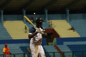 Reutilio Hurtado coronó un inning grande para los holguineros. (Foto: Reynaldo Cruz/ UB)