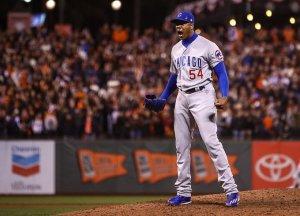 Aroldis Chapman salvó los tres juegos de los Chicago Cubs en la Serie Divisional (NLDS) y en Cuba no fue noticia. (Foto: Getty Images)